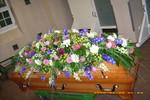Sarg, Trauerschmuck, Blumen